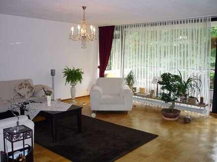 Zu Fuß zum Grafenberger Wald - schöne, helle 3,5 Zimmer Wohnung mit zwei Balkonen und Tiefgarage