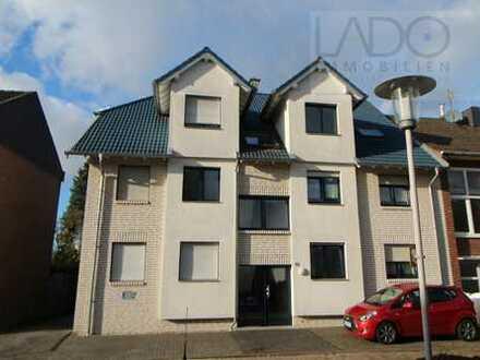 LADO bietet! Hochwertige, schicke 2-Zimmer-Wohnung im DG mit Balkon und Garage...!