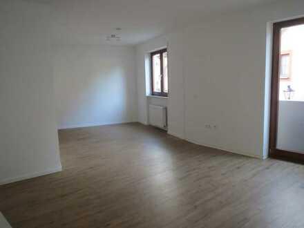 Sanierte 1,5-Zimmerwohnung in der Altstadt von Durlach mit TG-Platz, nur an Einzelperson