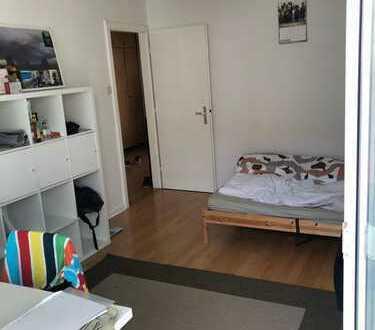 Vollmöbliertes Zimmer mit Balkon in bester Nordendlage