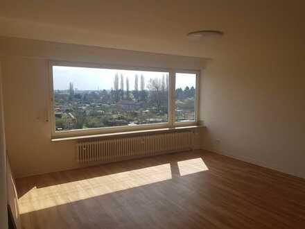 Neu renovierte 2-Zimmer-Wohnung mit Weitblick ins Grüne!