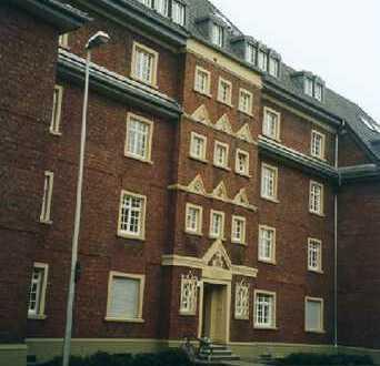 großzügige 3-Zimmer im modernen, sanierten Altbau mit Balkon