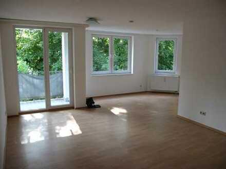 Schöne helle 3 Zimmer Wohnung mit 2 Bädern in Kaiserslautern Innenstadt