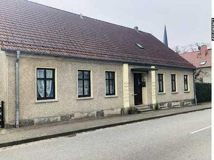 Gut erhaltenes Wohnhaus mit Ausbaupotential und Scheune in ländlicher Gegend