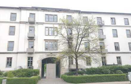 ETW in der Dresdner Neustadt inkl. Stellplatz mit Balkon und Gartennutzung im 1. OG