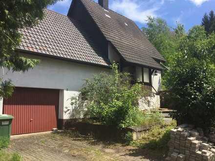 Kleines sanierungsbedürftiges Haus mit ausbaubarer Scheune direkt am Feldrand