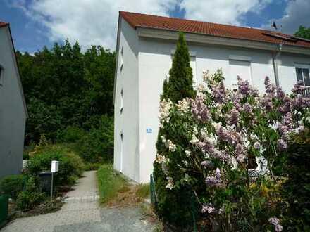 Doppelhaushälfte - viel Licht, viel Luft und jede Menge Platz in Bayreuth-Wolfsbach