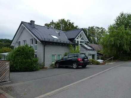 Maisonettee-Wohnung mit 2 Terrassen, Garten und Carport