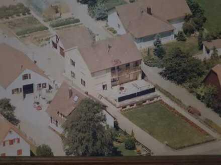 Schönes, geräumiges, freistehendes Zweifam.Haus mit jeweils vier Zimmern in Rems-Murr-Kreis, Alfdorf