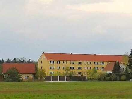 Mücka-Hauptort: 2 ZKB, ca. 50m², 2. OG Mitte, Laminat, Erstbezug nach Renovierung