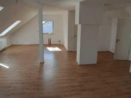 3-Zimmer-DG-Wohnung in Abensberg