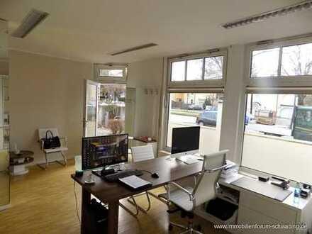 Helle Büroräume mit Schaufenster in Trudering