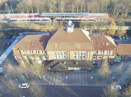 Ehemaliges Bahnhofsgebäude für vielseitige Nutzung zu vermieten