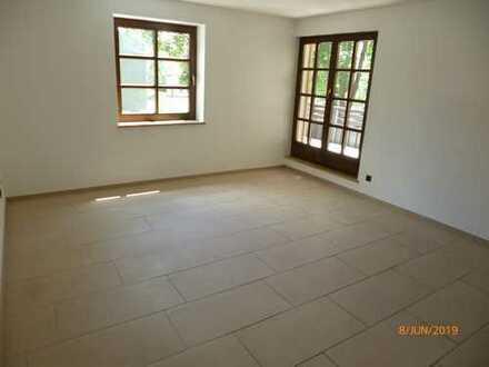 Erstbezug nach Renovierung! Helle, moderne 3-Zimmer-Wohnung mit Balkon in zentraler und ruhiger Lage