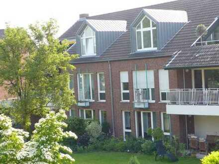 Helle 4- Zimmerwohnung mit Wintergarten in Kaiserswerth mit Rheinblick von privat