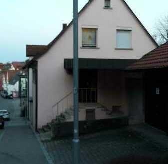 Haushälfte 50% im Ortskern Erdmannhausen zu verkaufen