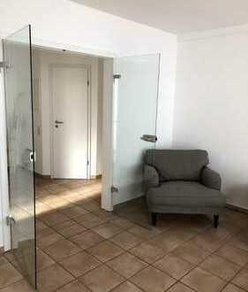 Exklusive 3- Zimmerwohnung in zentraler Lage (Paulinenstr.)