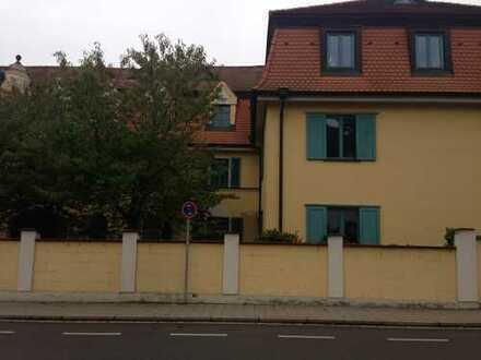 Wertige, sanierte 2,5-Zimmer-Maisonette-Wohnung mit gehobener Innenausstattung in Regensburg