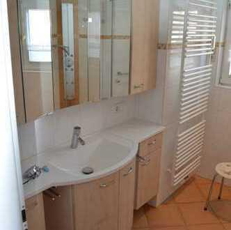 Neuwertige 4,5-Raum-EG-Wohnung mit Balkon und Einbauküche in Stutensee-Büchig