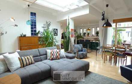 Lichtdurchflutete Loft-Wohnung mit gehobener Ausstattung, Balkon, EBK, Carport im ruhigen Innenhof