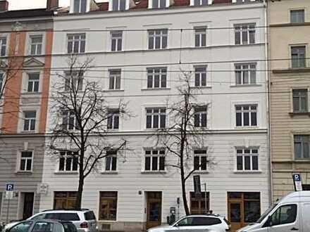 Dachgeschosswohnung Haidhausen am Max Weber Platz für 4er WG