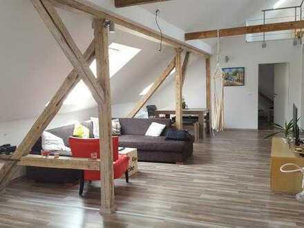 Entspannte penthouse-WG alle Kosten einbegriffen