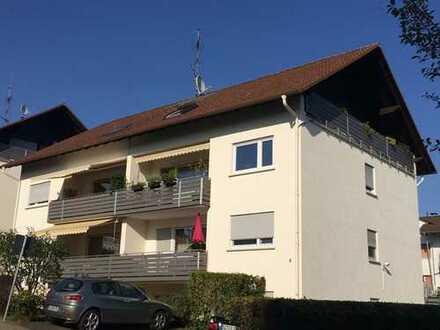 Schöne 3 Zimmer Wohnung in Alten-Buseck mit Tageslichtbad und Westbalkon