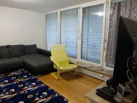 25_EI6412 Modern renovierte 3-Zimmer-Wohnung mit Penthousecharakter / Regensburg-Königswiesen