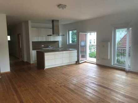 Großzügige 5 Zimmer-Maisonettewohnung mit Balkon und Tiefgarage!