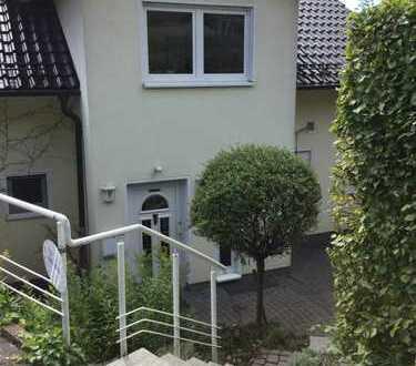 Schönes Haus mit 12 - Zimmern in Siegen-Wittgenstein (Kreis), Netphen