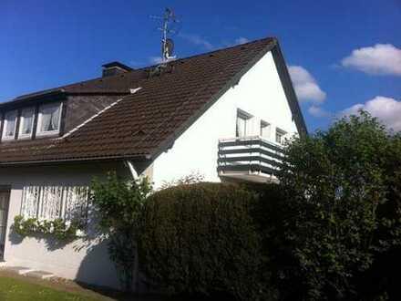 Ansprechende helle 2,5-Zimmer-Wohnung mit Balkon, in bester Wohnlage ,Solingen Aufderhöhe
