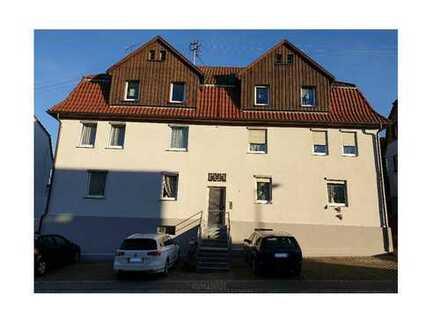 Stadtzentrum -und Bahnhofsnahe Wohnung mit drei Räumen + Essküche in Backnang