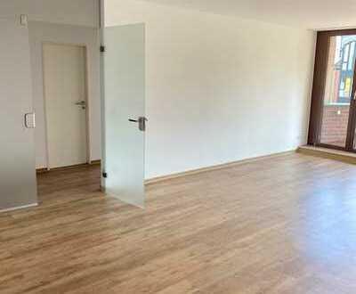 Großzügige 2 Raum Wohnung mit Balkon + Einbauküche