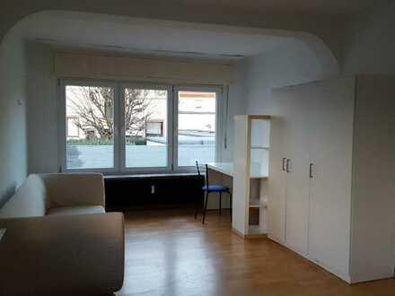 ruhiges möbliertes Zimmer in Obertshausen-Hausen für Wochenendheimfahrer