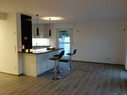 Exklusive 2 Zimmerwohnung mit Einbauküche und Terrasse in bester Wohnlage am Killesberg