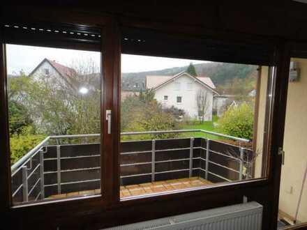 2-Zimmer, Küche, Badewanne, Balkon, Stellplatz