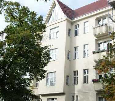 Befristet! Großzügige Altbauwohung mit 5 Zimmern, 2 Bädern und Balkon am Franckepark