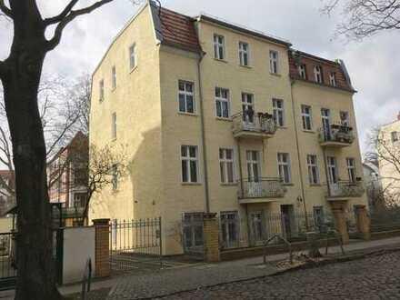 Schöne Dachgeschoßwohnung in Karlshorst