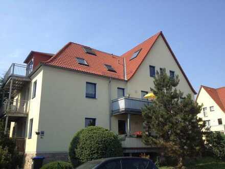 Traumhafte 2-Raum-Wohnung mit Balkon in ruhiger grüner Lage