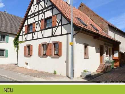 Saniertes Fachwerkhaus im historischen Ortskern