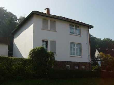 2-Familienhaus im Grünen!