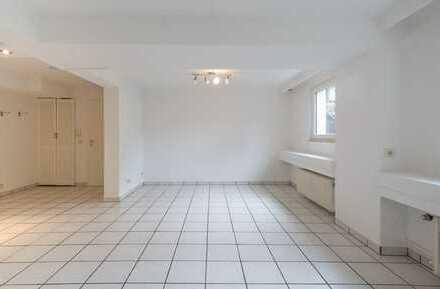 Schöne 1-Zimmer-Souterrain - Wohnung mit Einbauküche in Pulheim