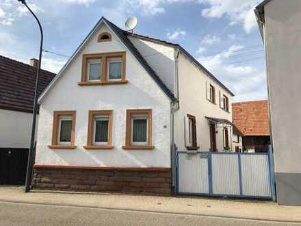 Schönes Haus mit 4,5 Zimmern, Stallungen und Scheune in Germersheim (Kreis), Kandel