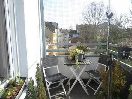 Exklusive, neuwertige 2-Zimmer-Wohnung mit Balkon und Einbauküche im Nordend