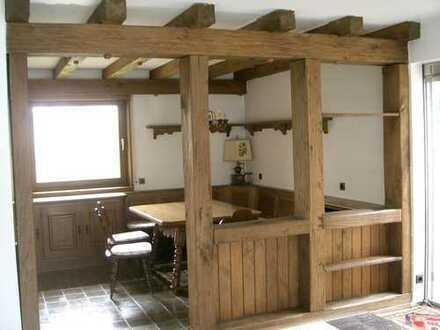 Komfortables, freistehendes Einfamilienhaus mit Garten am Südrand v. S-Degerloch (Hoffeld) prov.frei