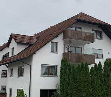 Top gepflegte, neuwertige 3 1/2 Zimmerwohnung mit Garage