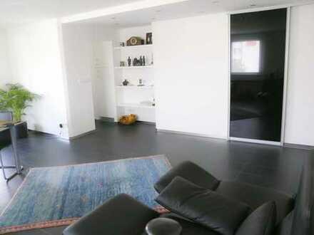 Exkl. großzügiges Appartement, direkt an der Donau, 500m zum Münster, 2 Balkone