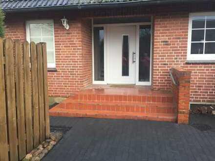 Vollständig renovierte 5-Zimmer-Haushälfte mit Vollbad und Gäste-WC in Thieshope