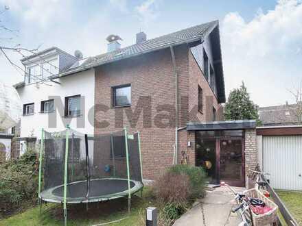 Komfort für Familien: Großzügige DHH mit Dachterrasse, Terrasse und Garten in Köln-Vingst