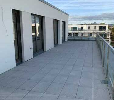 Penthouse-Wohnung mit höchstem Wohnkomfort und ca. 75 m² Dachterrasse im schönen Klostergarten